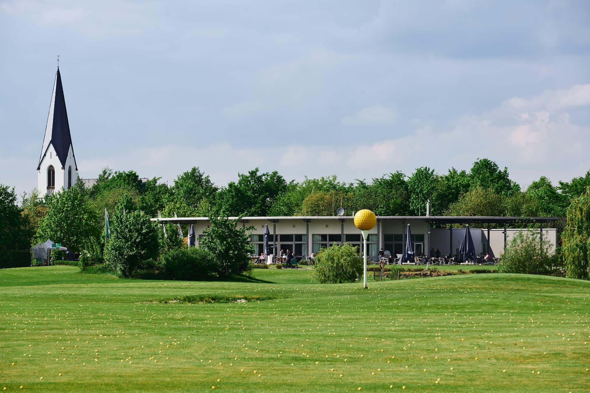 Das Clubhaus des Golfclubs Closermannshof.