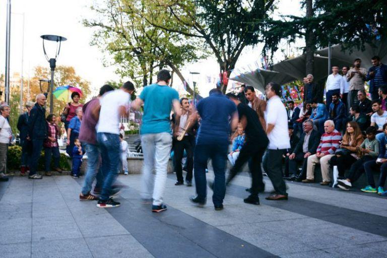 Eine tanzen Gruppe Männer in Trabzon.