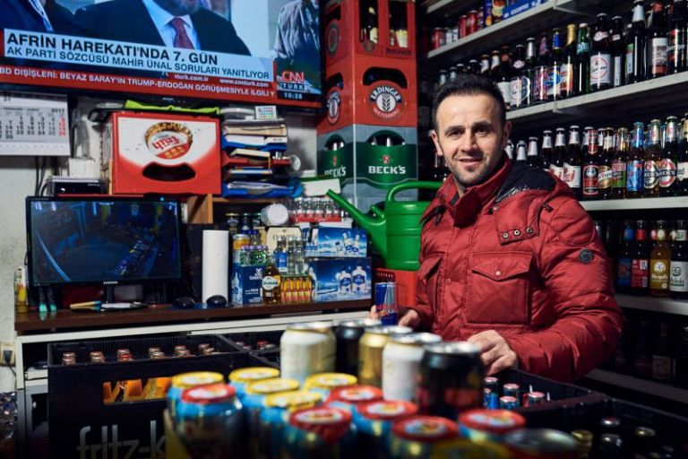 Ali Akzoy, Inhaber des gleichnamigen Kiosk in der Bonner Altstadt.