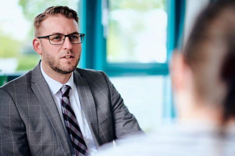 Foto einer Interviewsituation.