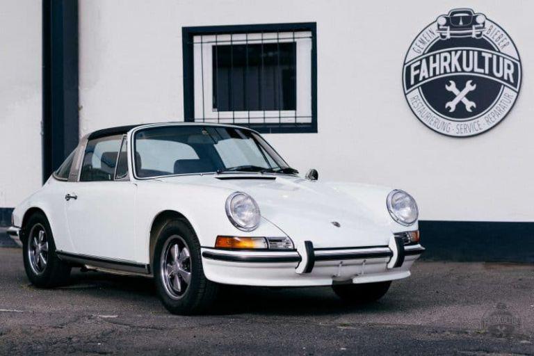 Porsche Targa vor der Firma Fahrkultur GmbH